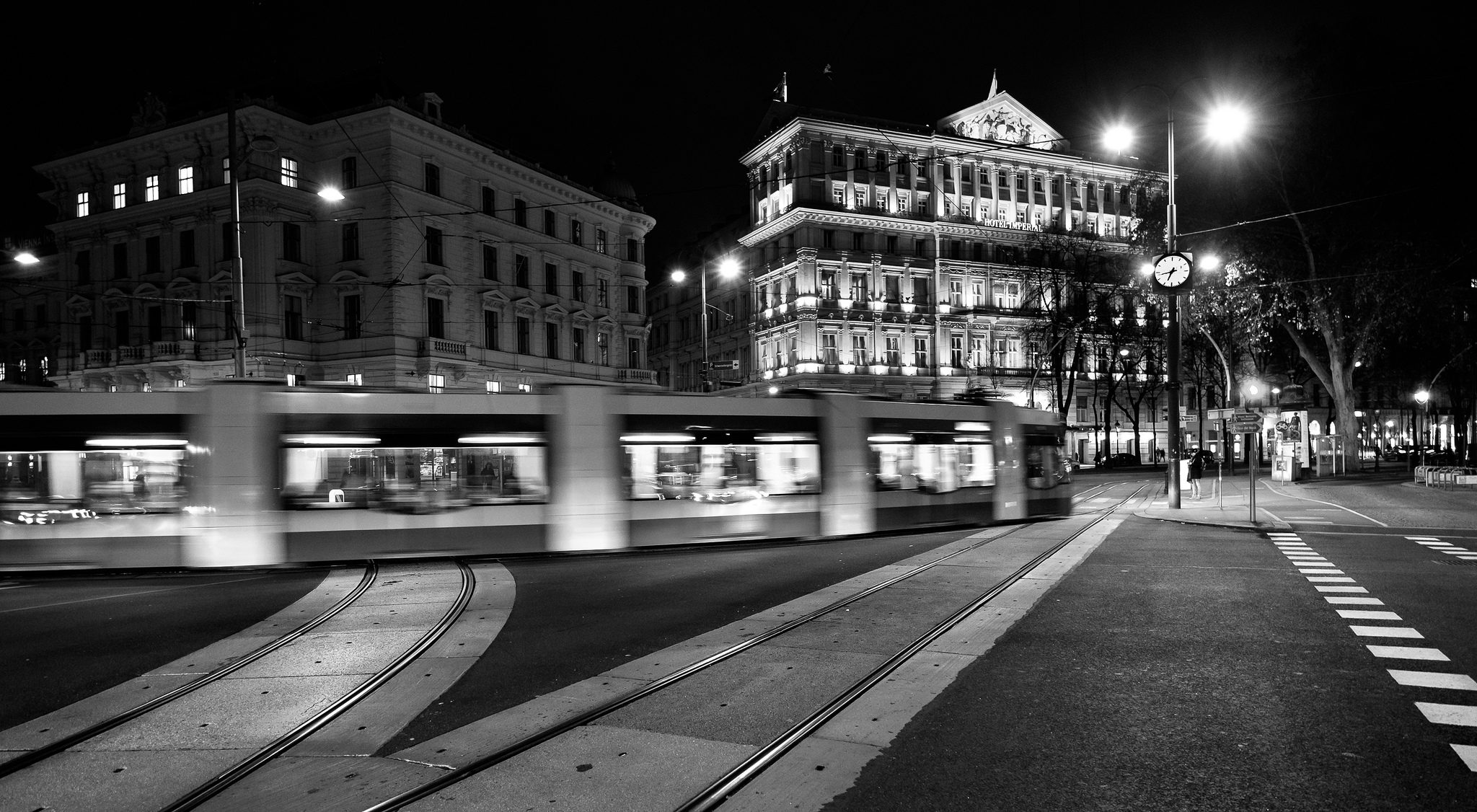 Traffic Viena by Roman Pfeiffer - Flickr